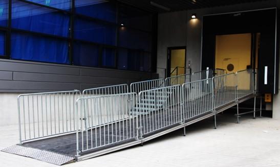Personenrampe Event Rollstuhlrampe Zuschauerrampe Veranstaltung Event Konzert
