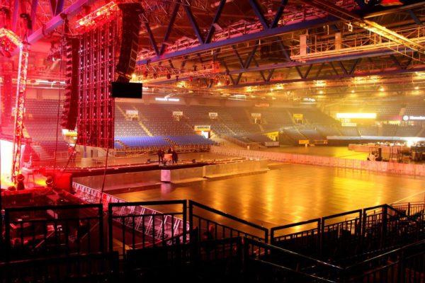 Hanns-Martin-Schleyer-Halle Konzert Veranstaltung Bühnengitter Stagehand Stage Barrie Stagebarrie Crash Barrier Personalservice Personal Veranstaltungshelfer