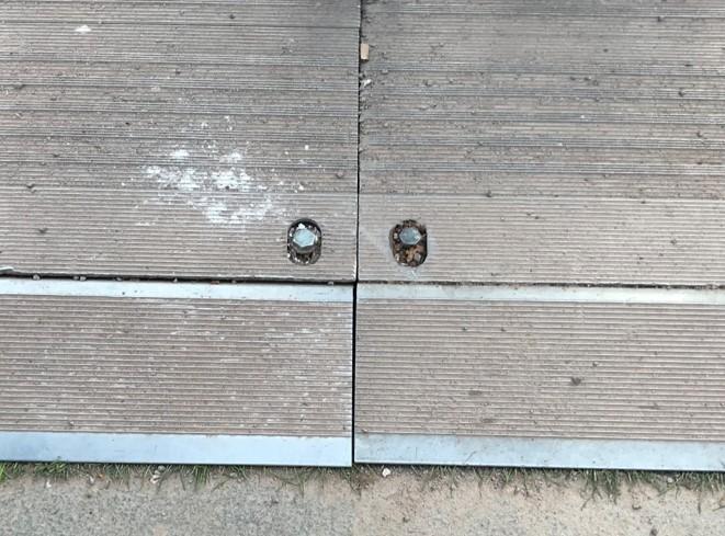 ALU-Panel-Schwerlastboden-Fahrstraße-Baustraße-Eventboden-Bodenschutz-Rasenschutz-Bodenschutzsystem-Veranstaltung-Konzert-Event-Open-Air