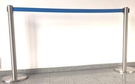 LOCO-Absperrpfosten-Absperrung-Kordelabsperrung-veranstaltung-event-konzert-messe-stuttgart-leonberg-ludwisbug-sindelfingen-chrom-blau-band-
