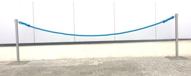 LOCO-Absperrpfosten-Absperrung-Kordelabsperrung-veranstaltung-event-konzert-messe-stuttgart-leonberg-ludwisbug-sindelfingen-chrom-blau-kordel-absperrnadel-
